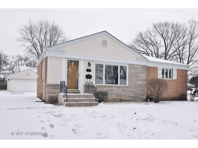 1155 N Hickory Ave, Arlington Heights, IL