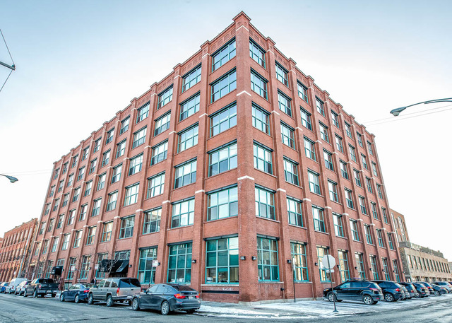 312 N May St #APT 2a, Chicago, IL