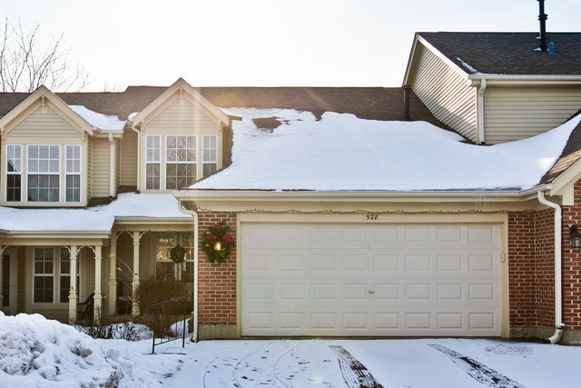 528 S Pembrook Ct, Crystal Lake, IL