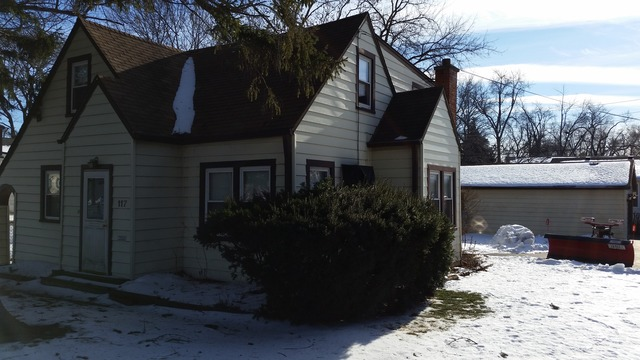 117 E Washington St, Round Lake, IL