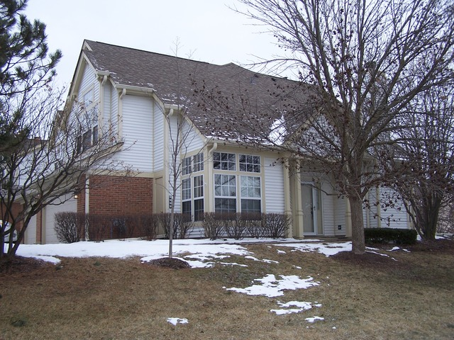 594 Plum Ct, Crystal Lake, IL