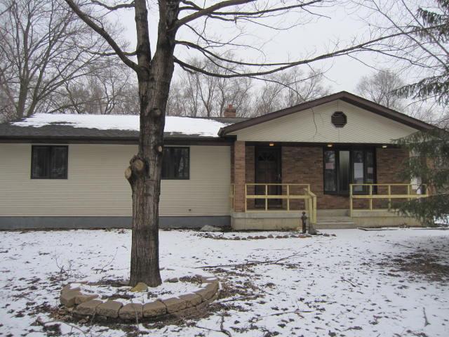 545 W Hill Rd, Morris IL 60450