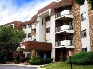 3350 N Carriageway Dr #APT 112, Arlington Heights, IL