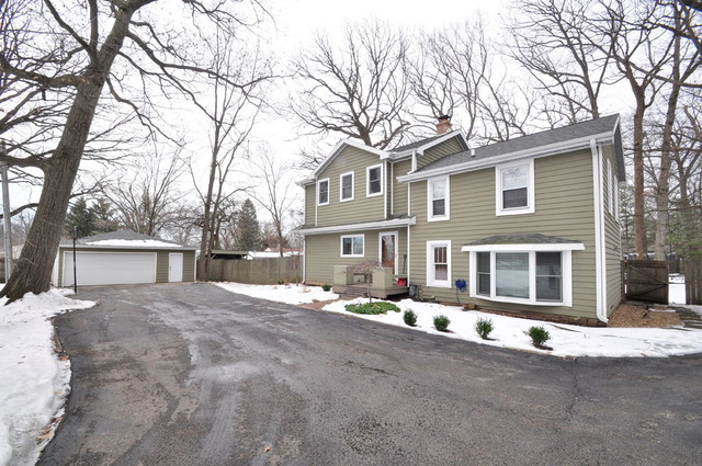 16015 W Buckley Rd, Libertyville, IL