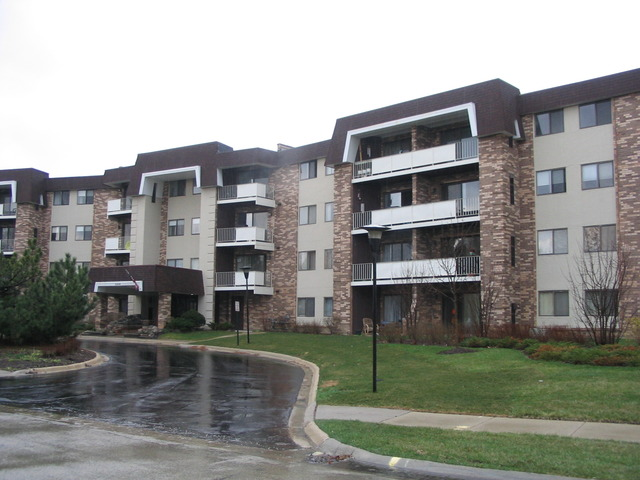 3300 N Carriageway Dr #APT 416, Arlington Heights, IL