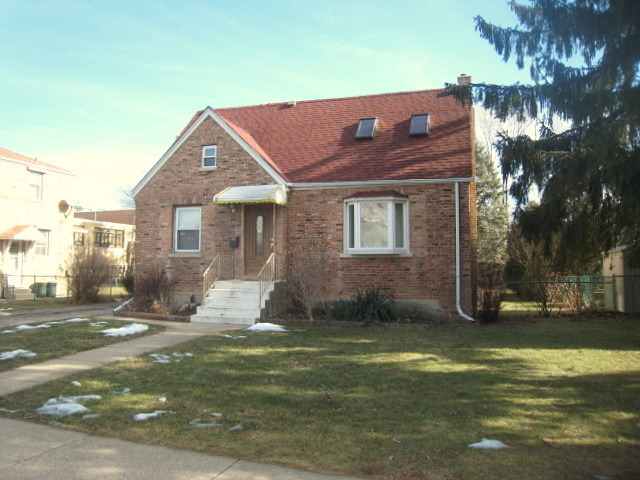 4221 N Oriole Ave, Harwood Heights, IL