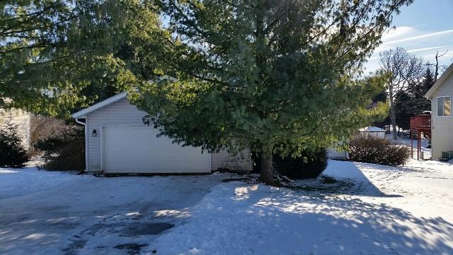 306 Marquette Dr, Poplar Grove, IL