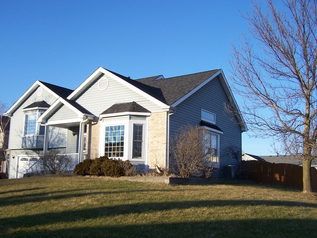 4700 Colony Ct, Mchenry, IL