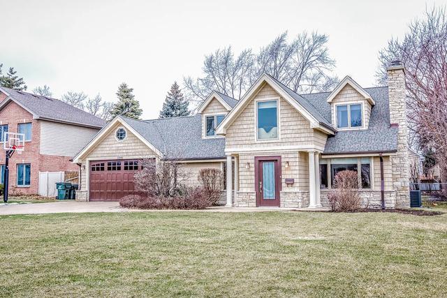 3206 Crestwood Ln, Glenview, IL