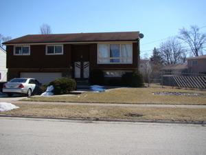 855 W Stonemill Ave, Addison, IL