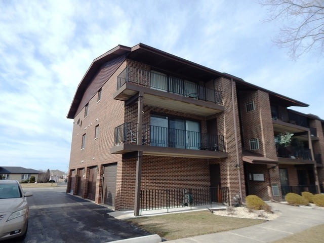 19563 Lake Shore Dr #APT 1n, Chicago Heights, IL