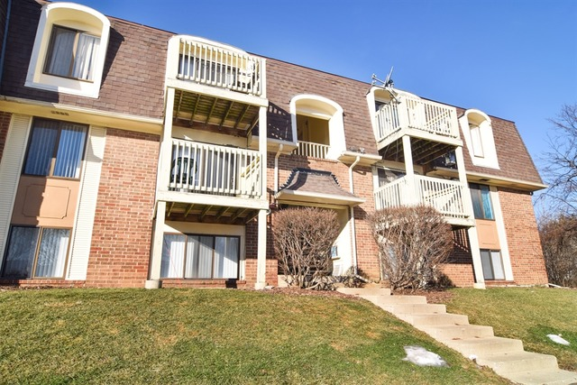 1898 Somerset Dr #APT 1a, Glendale Heights, IL