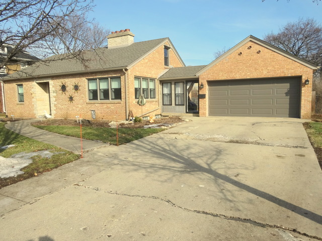 312 N Lord Ave, Carpentersville, IL