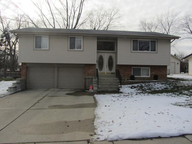 230 Carver Ln, Schaumburg, IL