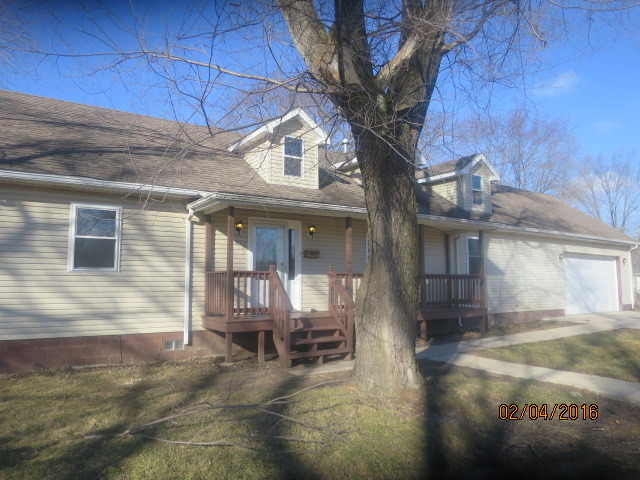 421 Nobes Ave, Lockport, IL