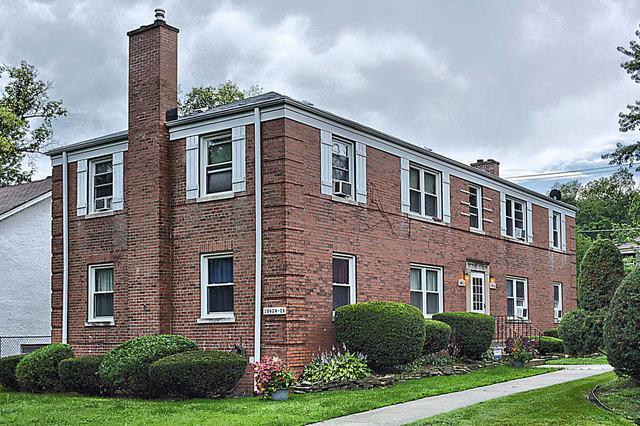 10626 S Walden Pkwy #APT 2W, Chicago, IL