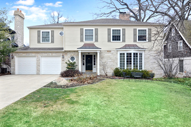 337 Forest Rd, Hinsdale, IL
