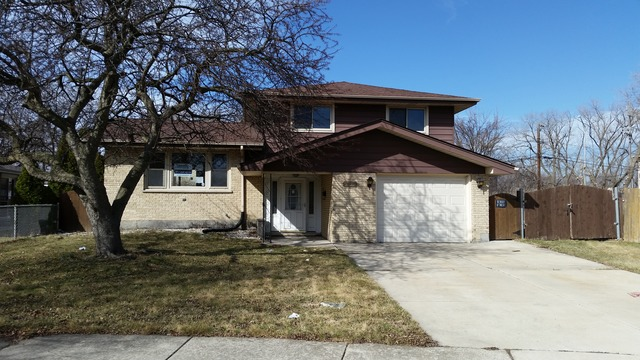 10230 Fireside Dr, Chicago Ridge IL 60415