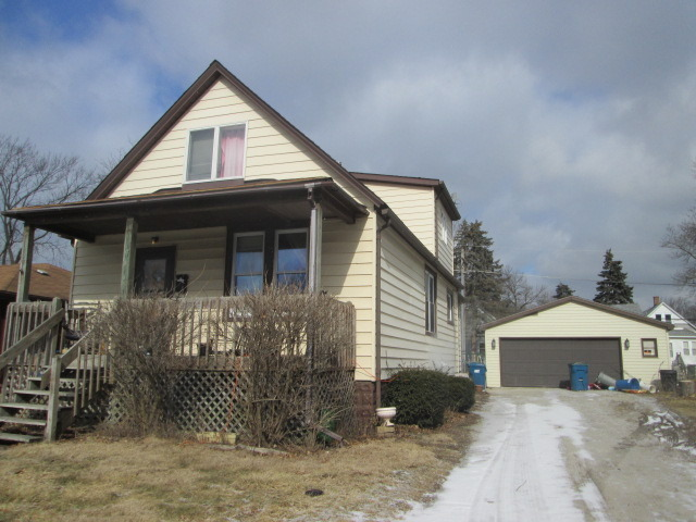 87 Mckinley Ave, Steger, IL