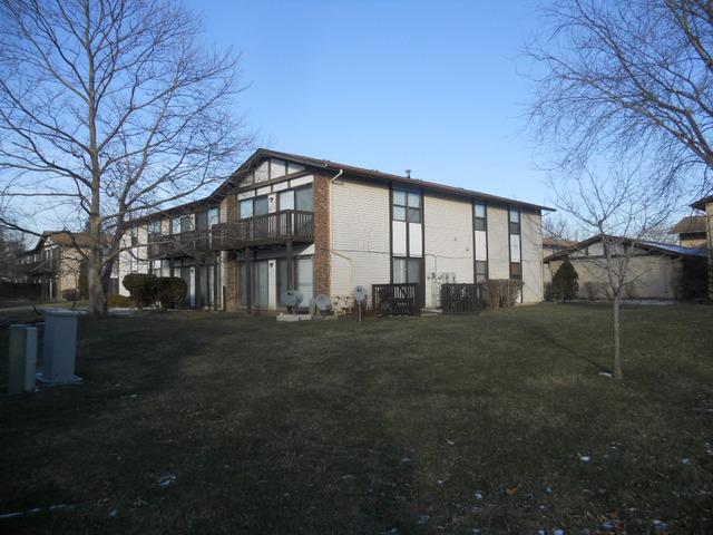19214 Elm Dr #APT 155, Country Club Hills, IL