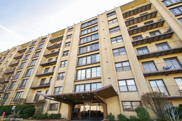 4601 W Touhy Ave #APT 610, Lincolnwood, IL