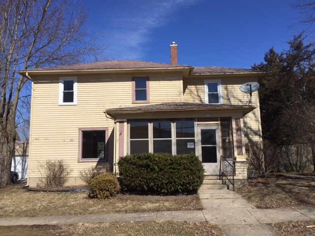 106 W Lincoln St, Mount Morris, IL