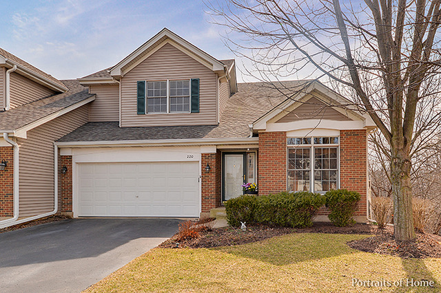 220 Braeburn Cir, Sugar Grove, IL