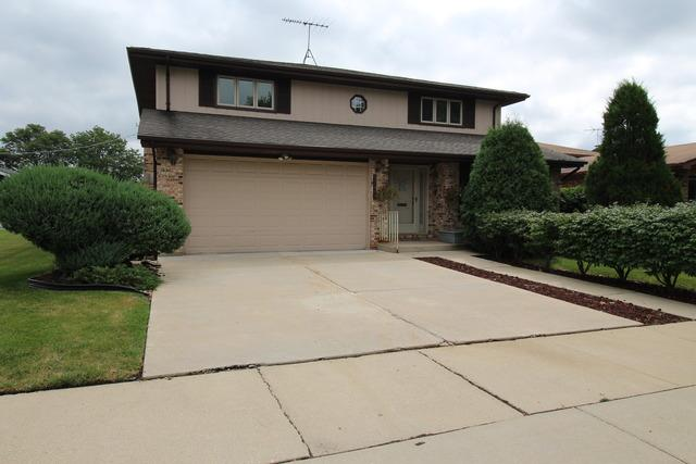 10045 S Sawyer Ave, Evergreen Park, IL