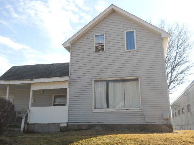 309 Wallace St, Sterling, IL