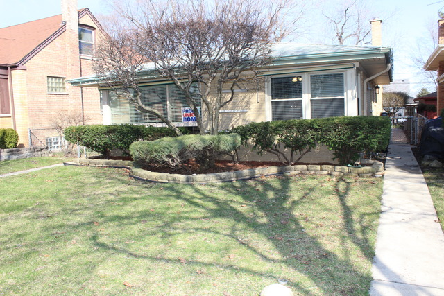 10251 S Spaulding Ave, Evergreen Park, IL