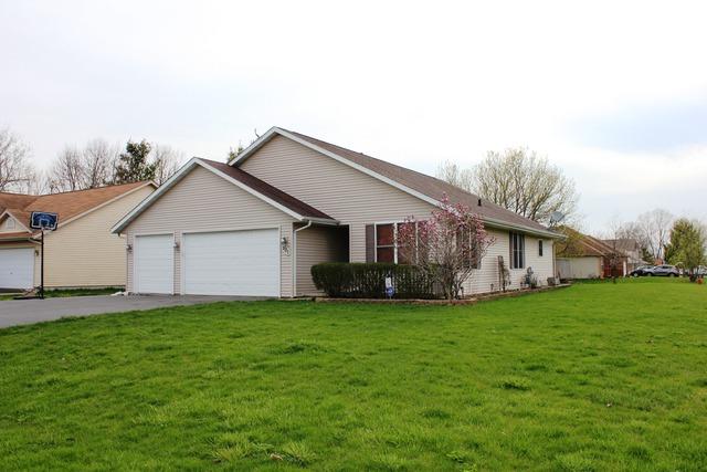 501 Pembroke Rd, Poplar Grove, IL