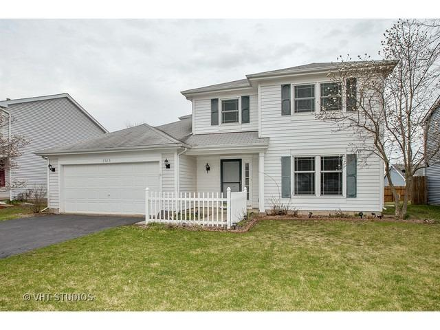 1525 Candlewood Dr, Crystal Lake, IL