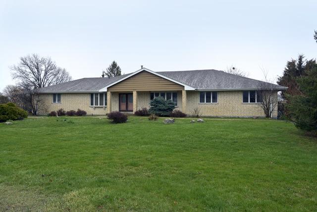 1427 Roslyn Rd, Schaumburg, IL