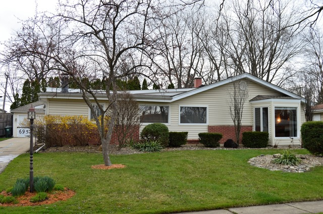695 Morton St, Hoffman Estates, IL