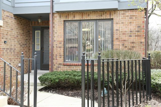 1007 Mistwood Ln #APT A, Downers Grove, IL
