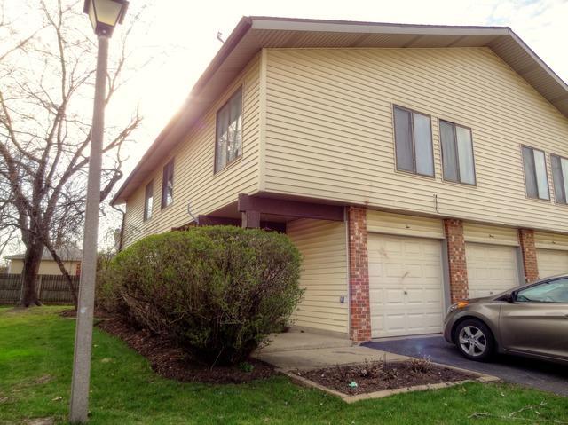 2 Wildwood Ln #APT H, Bolingbrook, IL