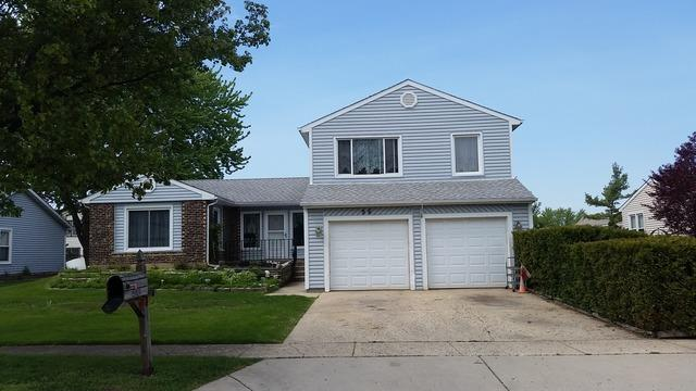 96 Brookside Dr, Glendale Heights, IL