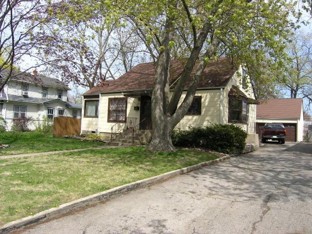 213 N Yale Ave, Villa Park IL 60181
