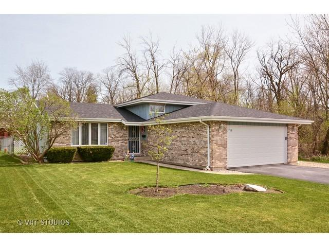 3709 Carpenter St, Steger, IL