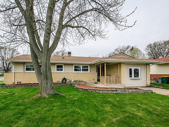 86 Ridgewood Rd, Elk Grove Village, IL