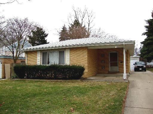 41 E Madison St, Villa Park IL 60181