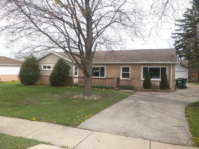 82 E Berkley Ln, Hoffman Estates, IL
