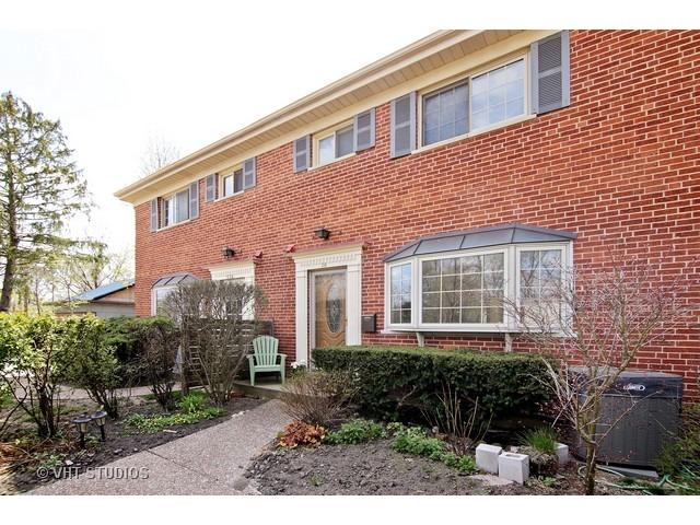 558 Green Bay Rd, Glencoe, IL