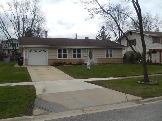 1355 Rosedale Ln, Hoffman Estates IL 60169