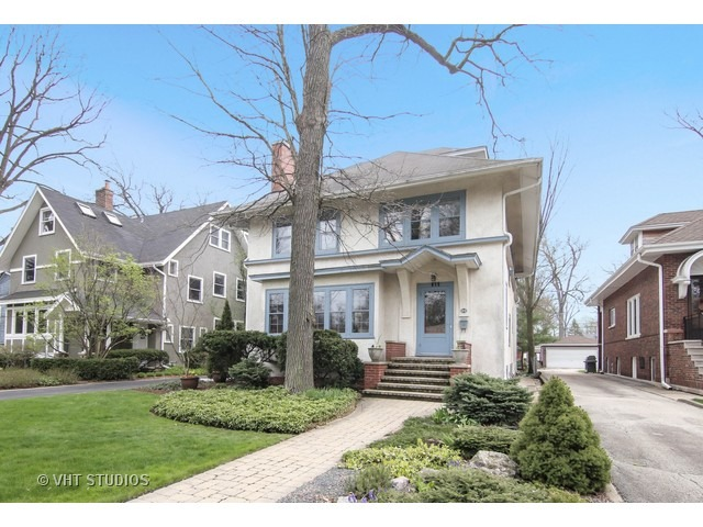 815 Linden Ave, Wilmette, IL