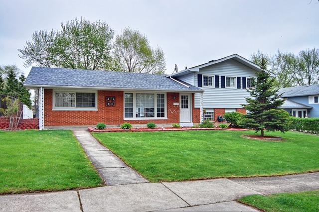 1725 N Newport Rd, Hoffman Estates IL 60169