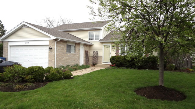 2770 Brisbane Dr, Lake In The Hills, IL