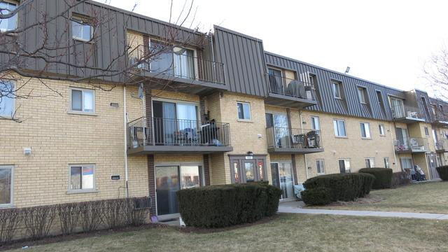 582 Fairway View Dr #APT 3H, Wheeling, IL