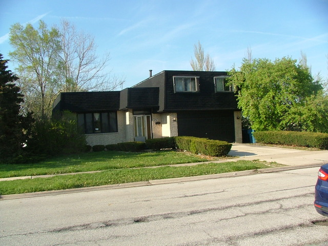 58 E 164th St, South Holland, IL