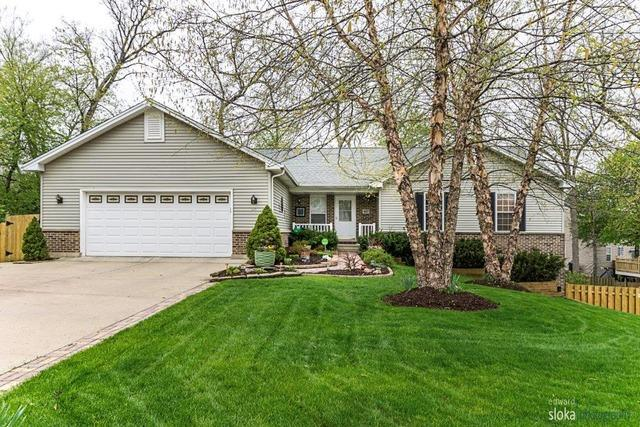 497 Elm Ridge Rd, Carpentersville, IL